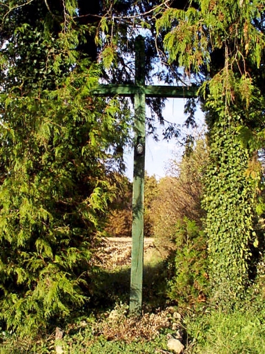 Croix de chemin, la Brosse ; le Croiset (Epiniac)