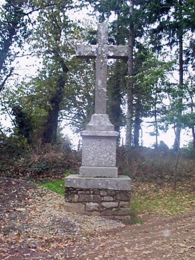 Croix monumentale, le Bois des Ormes (Epiniac)