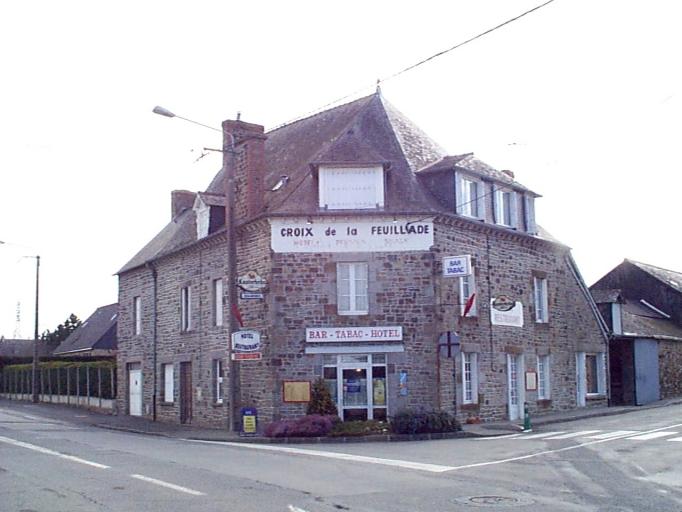Café dit A la Croix de la Feuillade, rue du Novembre 1793 ; rue de l'Armée Patton (Dol-de-Bretagne)