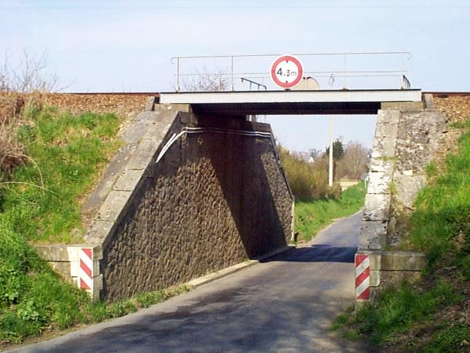 Pont de chemin de fer, R.D. 119 ; ligne Lison-Lamballe (Dol-de-Bretagne)
