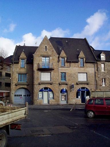 Hôtel de voyageurs, dit des Trois marchands, 19 place Toullier (Dol-de-Bretagne) ; Les hôtels de voyageurs, auberges et restaurants sur la commune de Dol-de-Bretagne