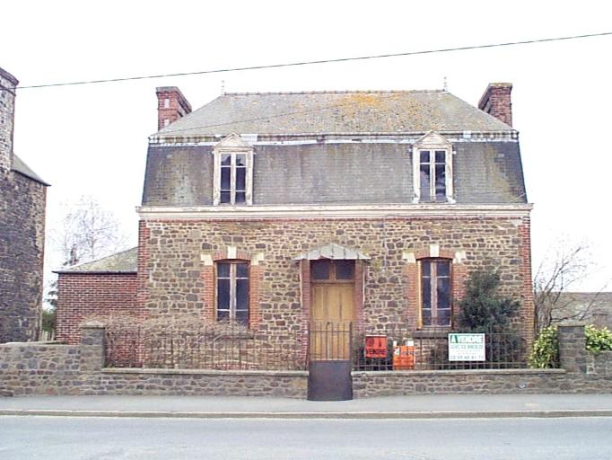 Maison, 32 rue Pierre Sémard (Dol-de-Bretagne)