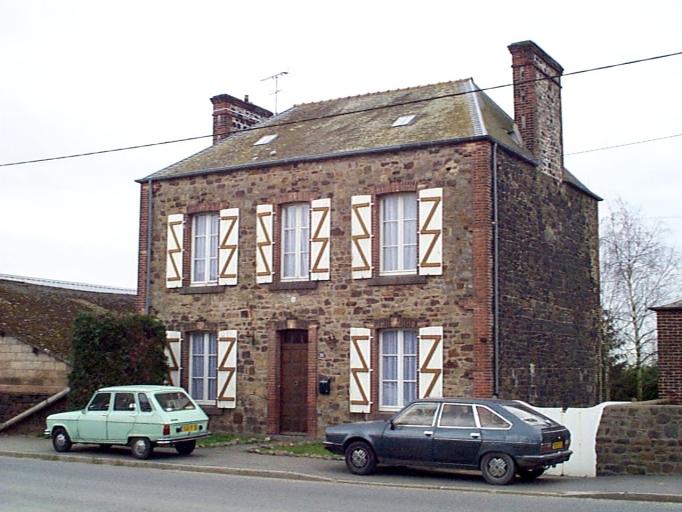 Maison, 30 rue Pierre Sémard (Dol-de-Bretagne)