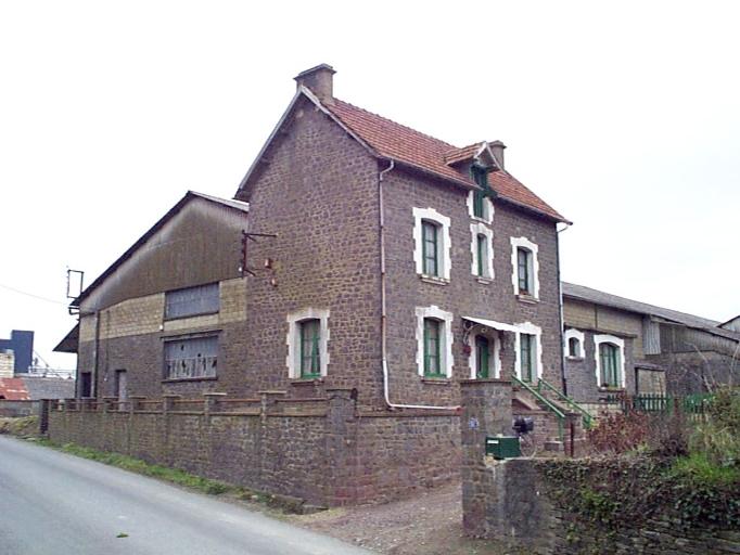 Usine, 51 rue Pierre Sémard, les Vallées (Dol-de-Bretagne)