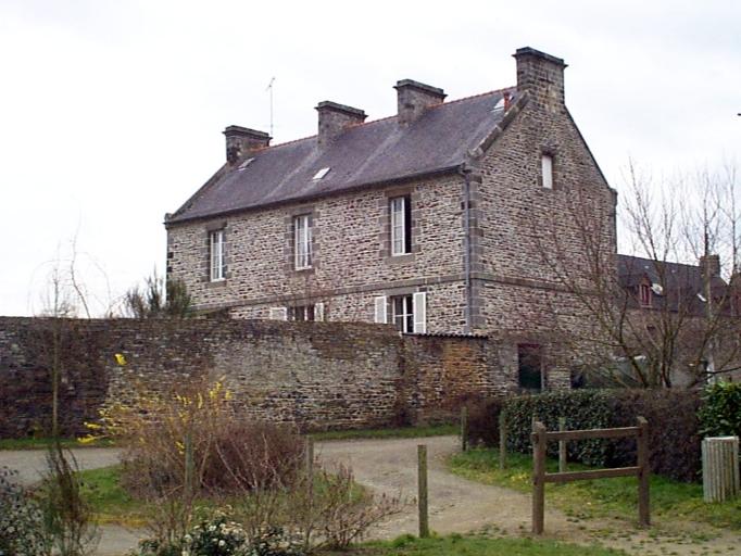 Presbytère, 4 place Saint-Samson, Carfantin (Dol-de-Bretagne)