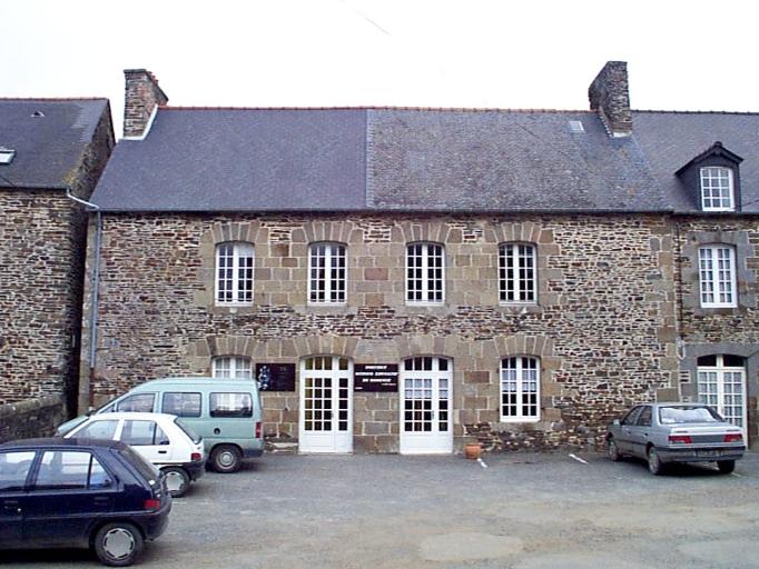 Maison, 2 place Saint-Samson, Carfantin (Dol-de-Bretagne)