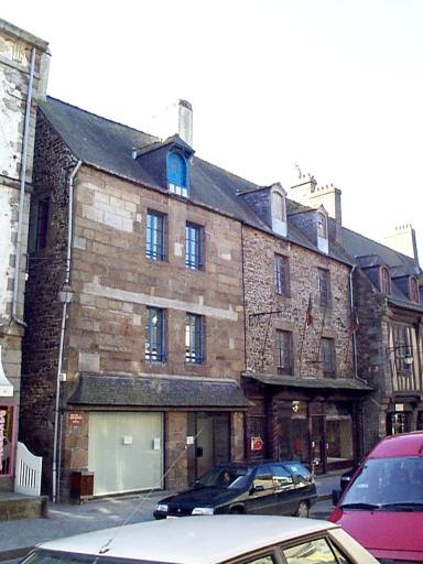 Maison, 25 rue Grande-Rue des Stuarts (Dol-de-Bretagne) ; Maison, dite du Coin Renforcé, 23 rue Grande-Rue des Stuarts (Dol-de-Bretagne)