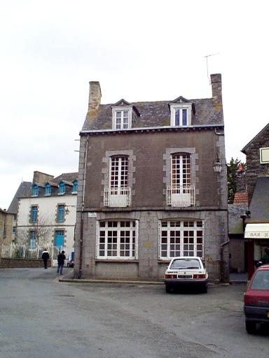 Maison, 6 place de la Trésorerie (Dol-de-Bretagne)