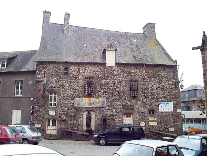 Maison, dite de la Trésorerie du Chapître, 2 place de la Trésorerie (Dol-de-Bretagne)