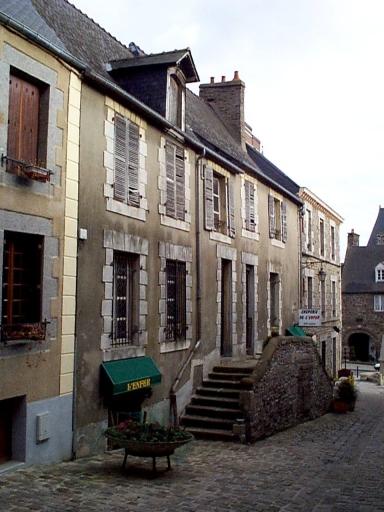 Maison, 2 rue des Perrons (Dol-de-Bretagne)