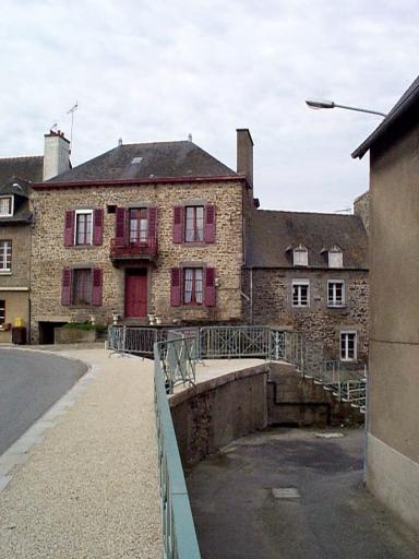 Moulin, fabrique de guano, actuellement maison, 28 rue des Ponts (Dol-de-Bretagne)