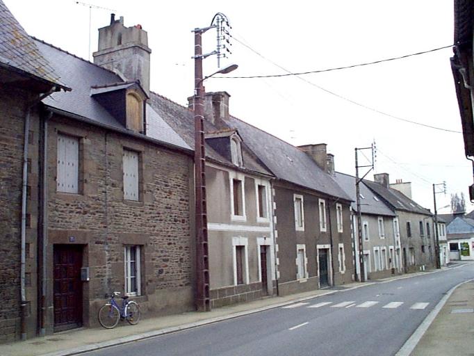 Maison, 25 rue des Ponts (Dol-de-Bretagne) ; Maison, 23 rue des Ponts (Dol-de-Bretagne) ; Maison, 27 rue des Ponts (Dol-de-Bretagne)