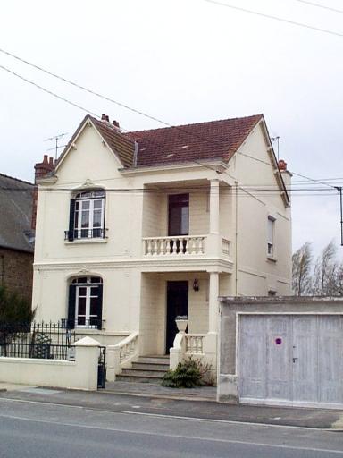 Maison, 18 rue de Dinan, l'Abbaye-sous-Dol (Dol-de-Bretagne)