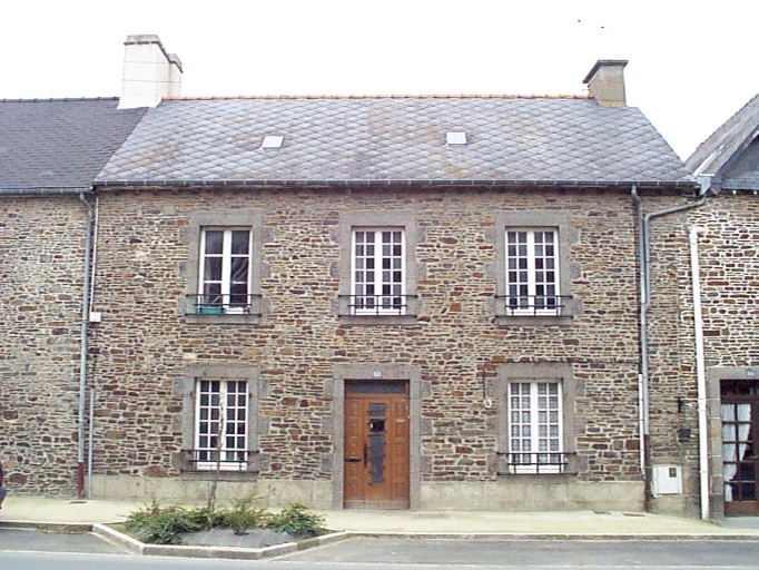 Maison, 82 rue de Dinan, l'Abbaye-sous-Dol (Dol-de-Bretagne)