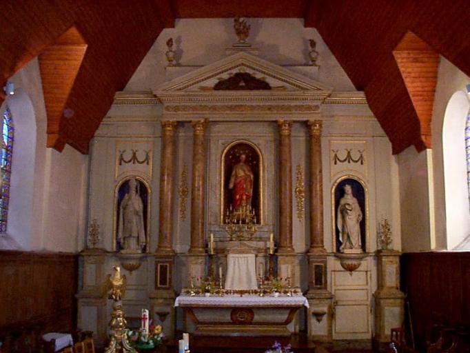 Ensemble du maître-autel (autel, retable, tabernacle, 2 gradins, 3 degrés)