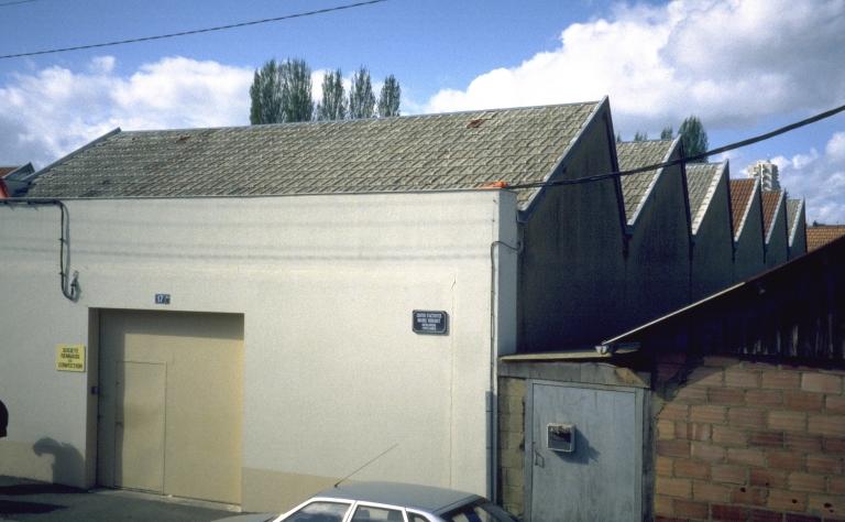 Usine de confection Ariès et Cie, puis Société de Vêtements le Mont-Saint-Michel ou Chemiseries de Bretagne, actuellement bureau, 13, 15, 17, 17bis rue Marie Rouault ; 7 rue Rabelais (Rennes)