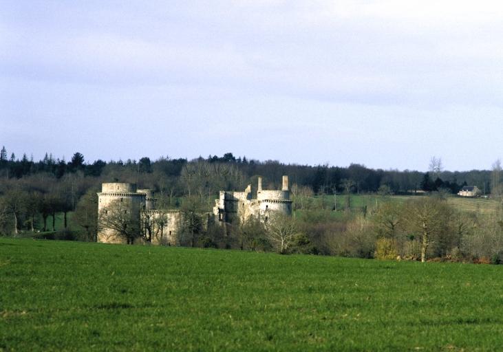 Château fort, la Hunaudaye (Plédéliac)