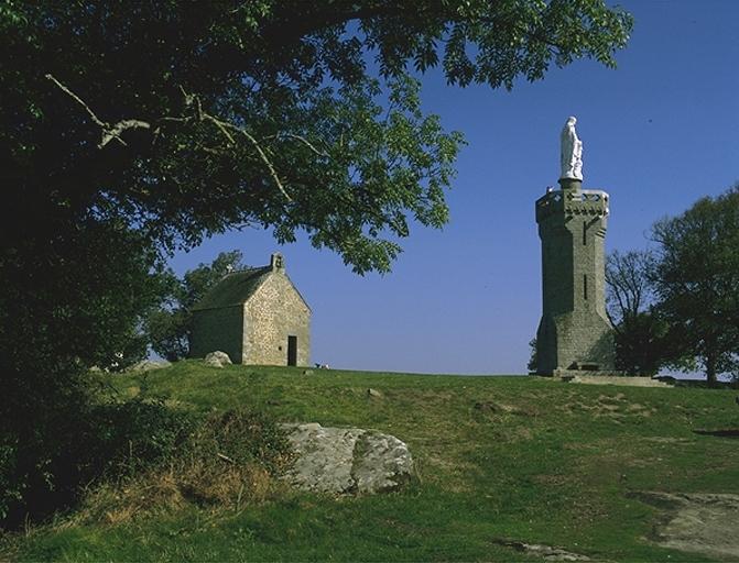 Monument de la Vierge à l'Enfant dite Notre Dame de l'Espérance, le Tertre (Mont-Dol) ; Ancienne chapelle Saint-Michel; ancien télégraphe; actuellement chapelle Notre-Dame de l'Espérance, Le Tertre (Mont-Dol)