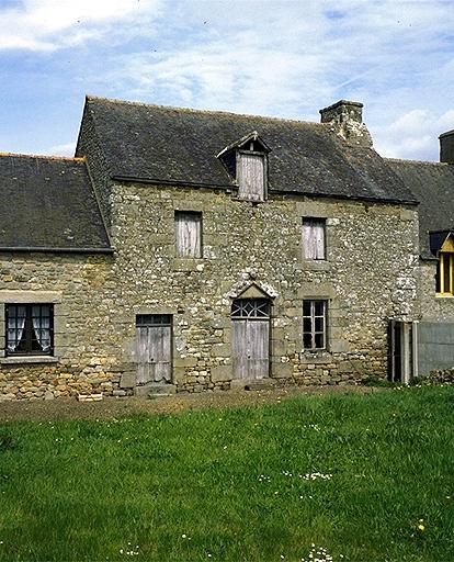 Maison de prêtre, le Bois Quinou (Baguer-Morvan)