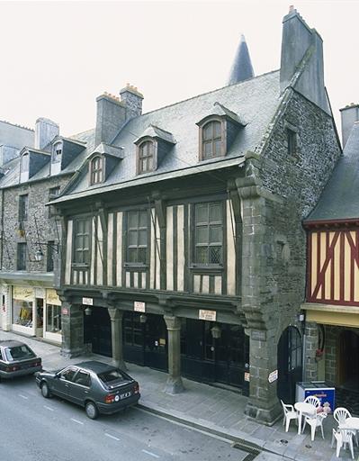 Maison, dite de la Guillotière, 27 rue Grande-Rue des Stuarts (Dol-de-Bretagne)