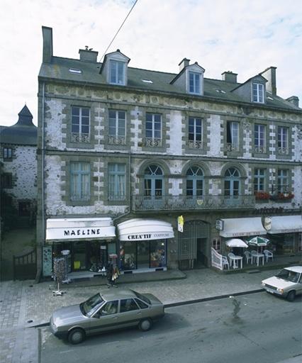 Immeuble, 21 rue Grande-Rue des Stuarts (Dol-de-Bretagne)