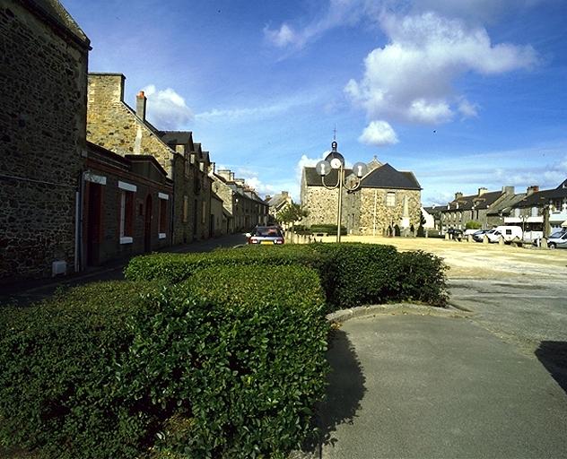 Église paroissiale Saint-Nicolas (Le Vivier-sur-Mer) ; Place de l'Eglise (Le Vivier-sur-Mer)
