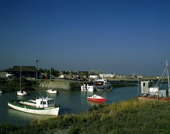 Port du Vivier-sur-Mer ; Ensembles du génie civil sur la commune de Le Vivier-sur-Mer
