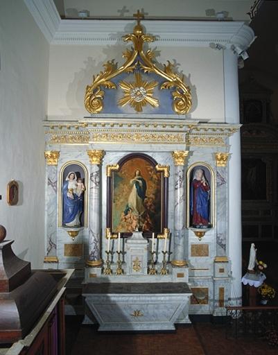 Ensemble de l'autel secondaire nord (autel, retable, tabernacle, 2 gradins)