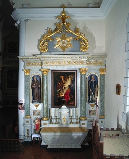 Ensemble de l'autel secondaire sud (autel, retable, tabernacle, 2 gradins)
