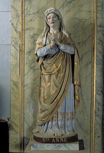Statue: sainte Anne
