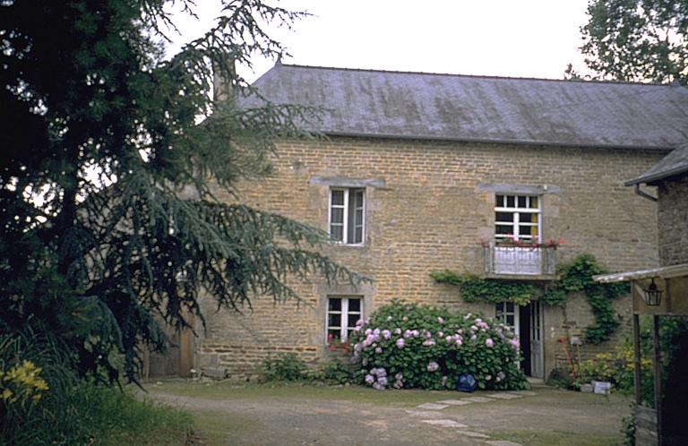 Moulin à blé de Trégueneuc, puis minoterie, actuellement maison (Quédillac)