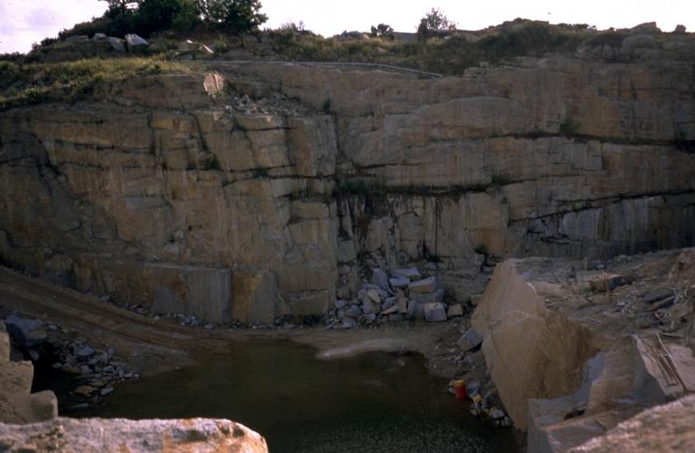 Carrière de granite bleu la Piochais, puis les Granits de Bretagne, la Piochais (La Bazouge-du-Désert)