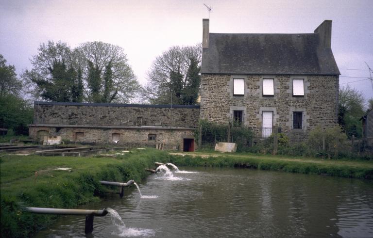 Moulin à blé, puis filature de Galaché, actuellement pisciculture (Javené)