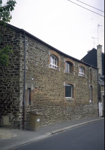 Usine de chaussures Morel et Cie, puis P. Thébault, actuellement maison, 15 rue de Beaumanoir (Fougères)