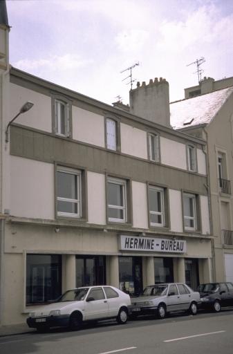 Usine de meubles Picot, actuellement magasin de commerce, 54 chaussée du Sillon (Saint-Malo)