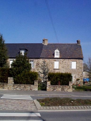 Manoir du Pont, 70 rue de Dol (Le Vivier-sur-Mer) ; Les manoirs sur la commune de Le Vivier-sur-Mer
