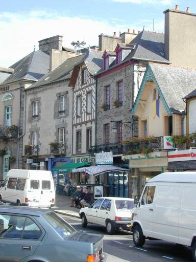 Rue, dite Grande-Rue, actuellement Grande-Rue-des-Stuarts (Dol-de-Bretagne) ; Immeuble, 5 rue Grande-Rue des Stuarts (Dol-de-Bretagne)