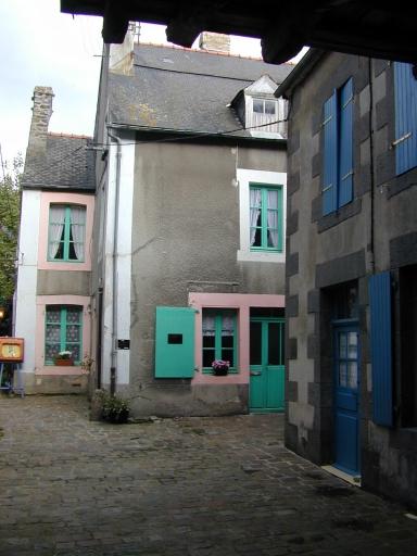 Maison, 28 rue Grande-Rue des Stuarts (Dol-de-Bretagne) ; Maison, 28 rue Grande-Rue des Stuarts (Dol-de-Bretagne)