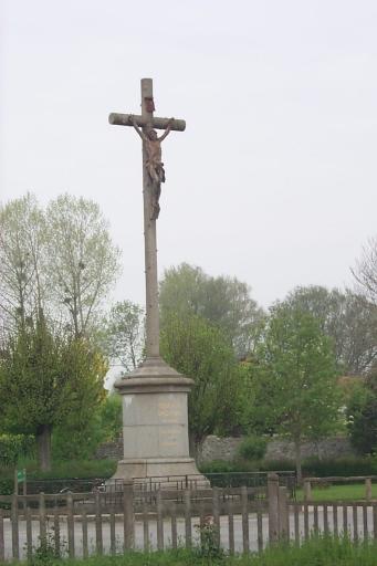 Croix monumentale, rue des Cotières (La Fresnais)