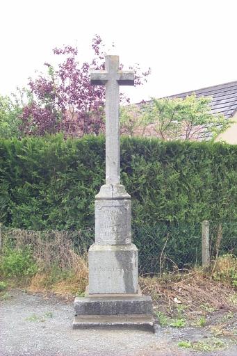 Croix de chemin dite du Rosaire, le Haut Autrouet (La Fresnais)