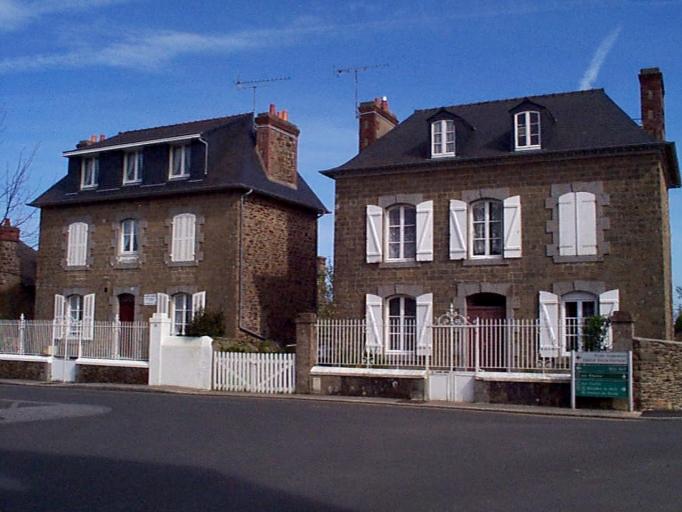 Maison, 25 rue de la Marine ; 22 rue Robert Surcouf (Cancale) ; Maison, 27 rue de la Marine ; 24 rue Robert Surcouf (Cancale)