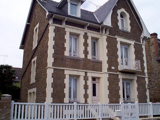 Maison de villégiature dite Villa Jeanne d'Arc, 8 rue Robert Surcouf (Cancale)