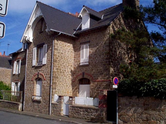 Maison de villégiature, 17 rue de la Marine (Cancale)