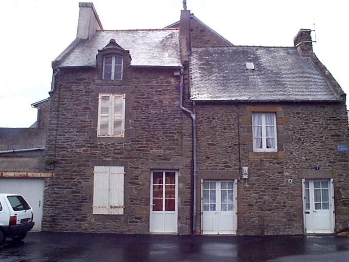 Maison, 2 place du Marché (Cancale)