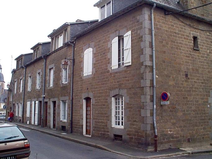 Maison, 5 rue Duquesne (Cancale) ; Maison, 7 rue Duquesne ; 1 rue Robin Adolphe (Cancale)