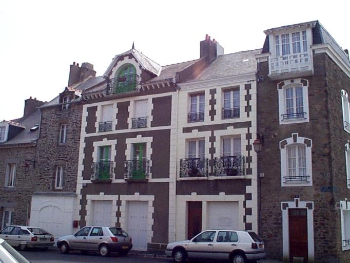Maison, 4 place de la Victoire (Cancale) ; Maison, 2 place de la Victoire (Cancale)