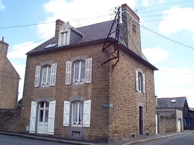 Maison, 13, 15 boulevard Thiers ; 12 rue Ernest Herclat (Cancale)