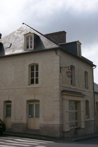 Maison, 1 rue Jeanne Jugan ; 43 rue du Port (Cancale)