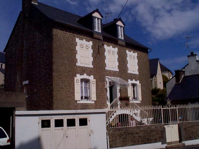 Maison de capitaine, 11 rue de la Roulette (Cancale)