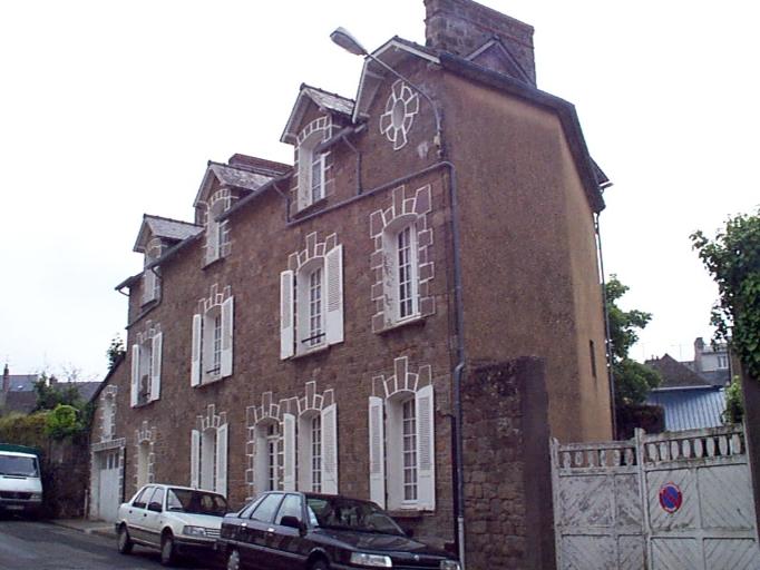 Maison, 19 rue du Maréchal Juin (Cancale)